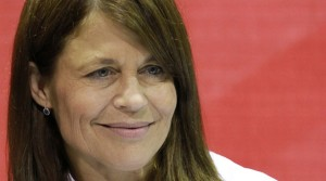 How Linda Hamilton Beats Bipolar